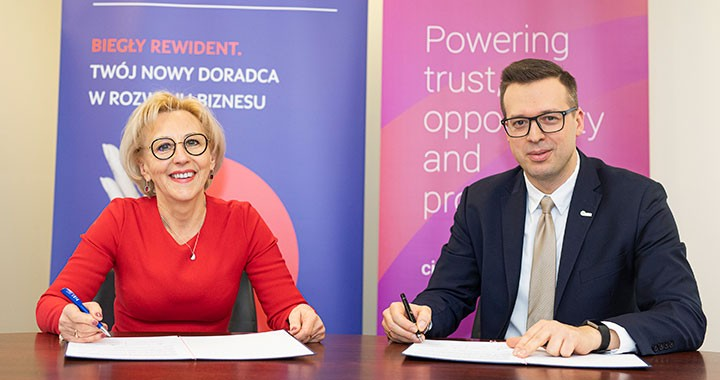 Barbara Misterska-Dragan, president of the Polish Chamber of Statutory Auditors, and Jakub Bejnarowicz, the Association of International Certified Professional Accountants' regional director, Europe.